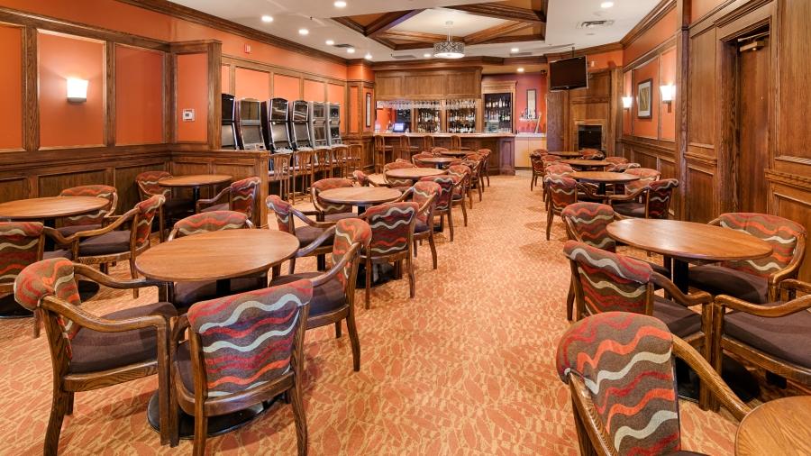 Finnegans Lounge